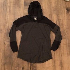 Puma woman's long sleeve hoodie tee size medium